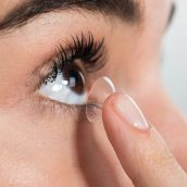 The Advantages of Wearing Contact Lenses Over Eyeglasses